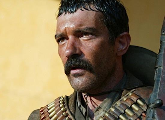 Antonio Banderas, ese hombre de color  34-banderas-andstarringpanchovillaashimself