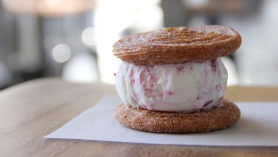 aug-food-holidays 3-icecreamsandwichmain