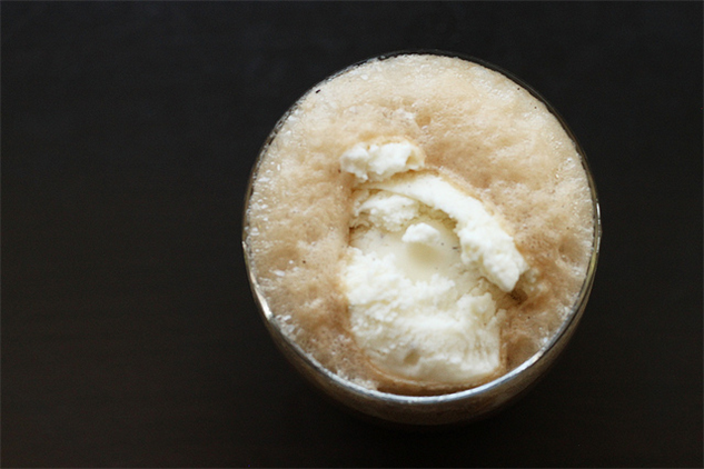 aug-food-holidays 6-root-beer-float