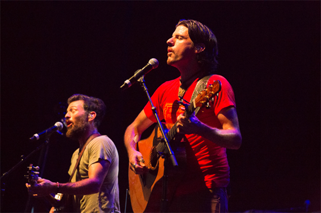 avett-brothers-coney-island theavettbrothers-aug16-2016-cortneyarmitage2761