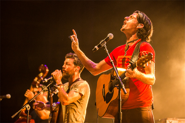 avett-brothers-coney-island theavettbrothers-aug16-2016-cortneyarmitage2820
