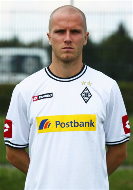 bald-soccer-players 16michaelbradleyr