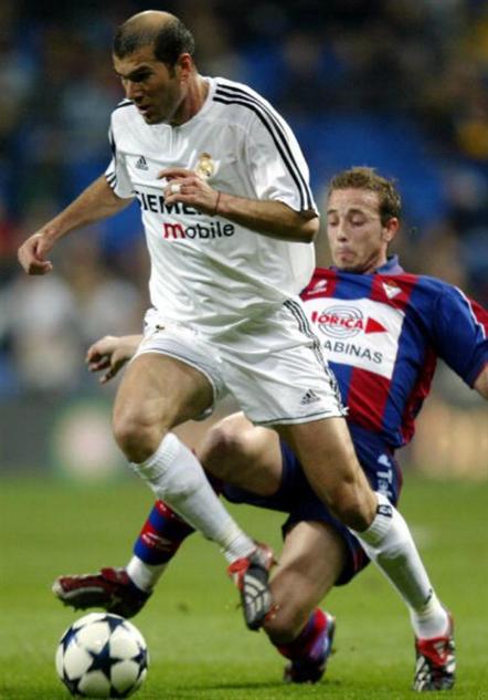 bald-soccer-players 2zinedinezidaner
