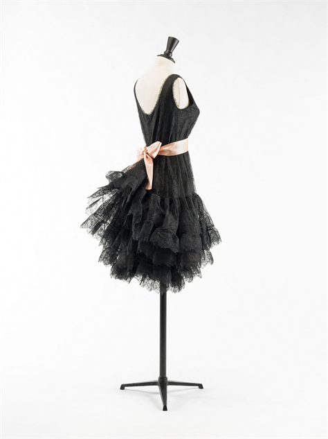 balenciaga- 14-balenciaga-robe-dentelle-1964