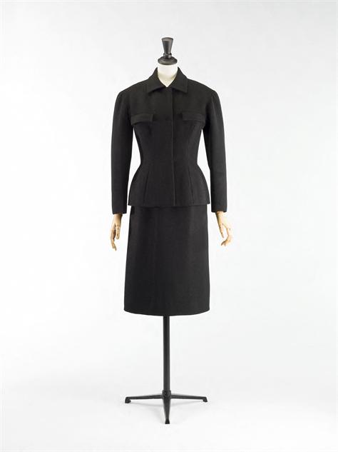 balenciaga- 5-balenciaga-tailleur-1952-1953