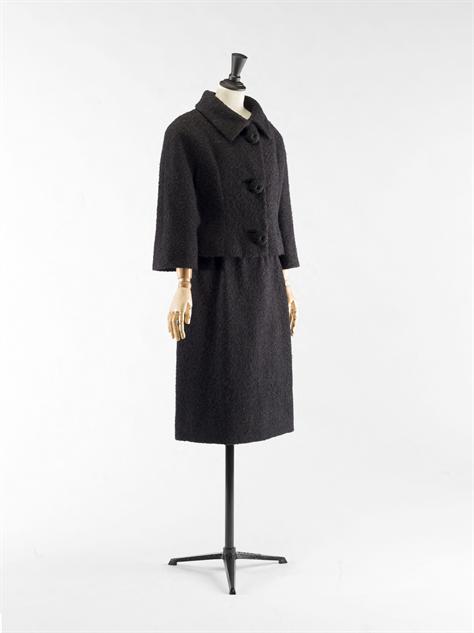 balenciaga- 8-balenciaga-tailleur-bouclette-1960