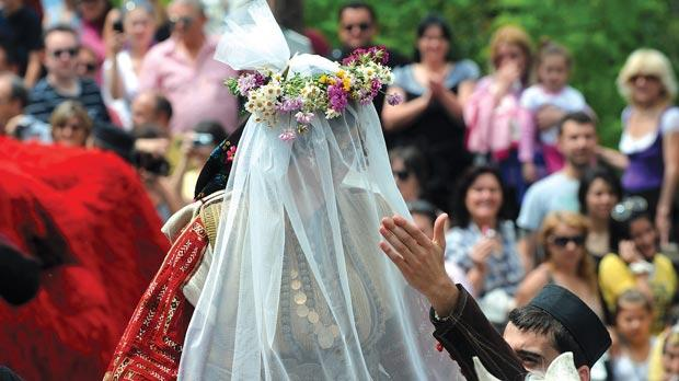 balkan-summer-festivals galicnik-wedding-photo-by-jasmina-mironski-1