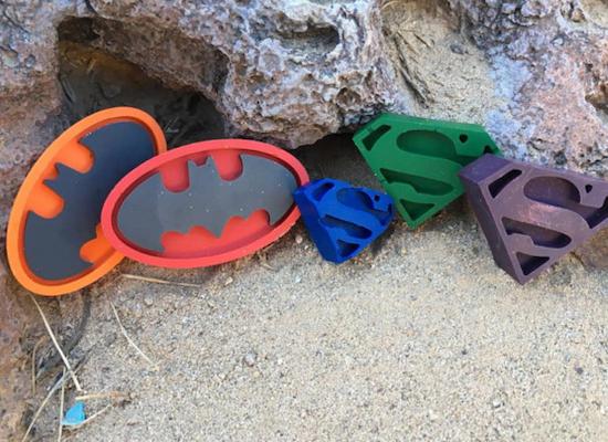 batman-superman-etsy 19-march-paste-movies-gallery-etsy-superman-batman-crayon-se