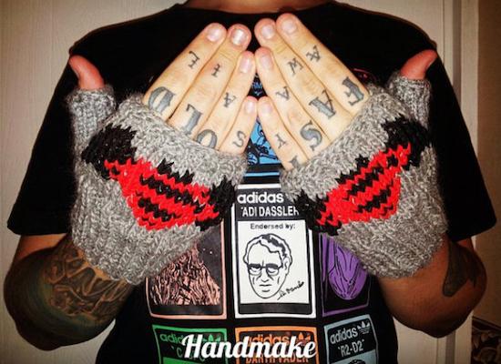 batman-superman-etsy 20-march-paste-movies-gallery-etsy-superman-batman-gloves