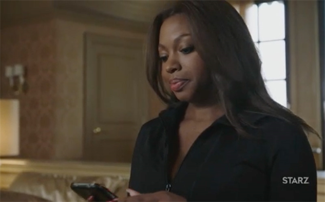black-tv-characters-making-tv-great-again power306-tasha-texting-angela