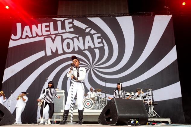 bonnaroo-2014-day-1 janelle-monae---bonnaroo-2014---credit-mark-c-austin-0259