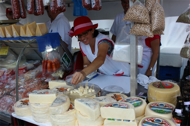brazil-farmers-market 4a-cheese