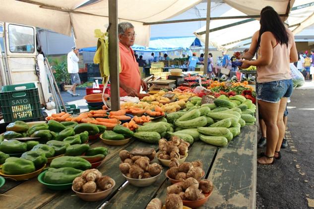 brazil-farmers-market 5-veggies