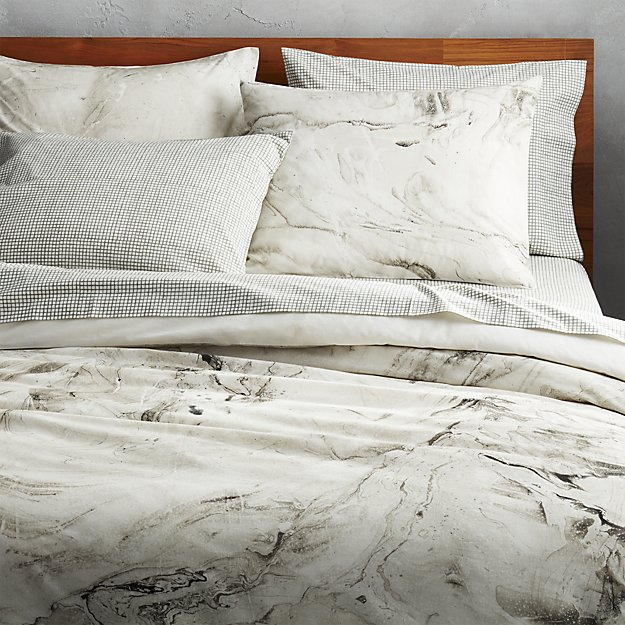 Minimalist Breezy Bedding Perfect For Summer Design