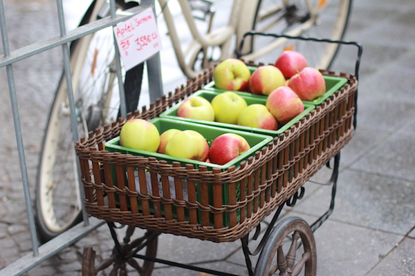 bulk-foods-store 23---apples
