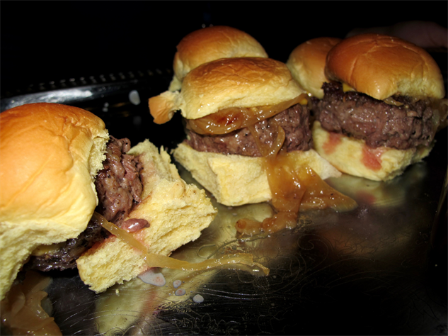 burger-bash 3-brindle-room-close-up