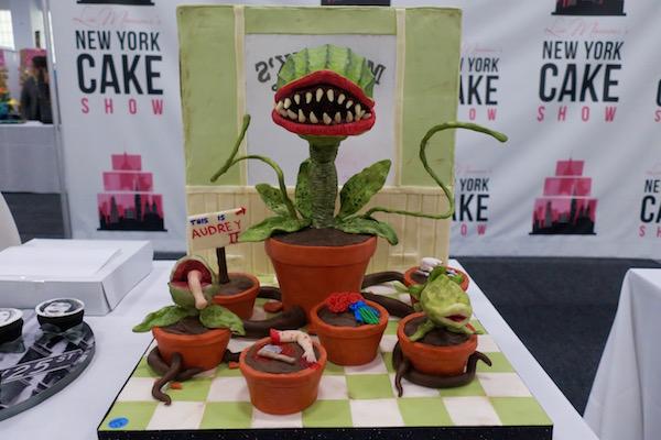 cake-show- 04-horrors-cupcakes