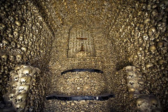catacombs capela-dos-ossos