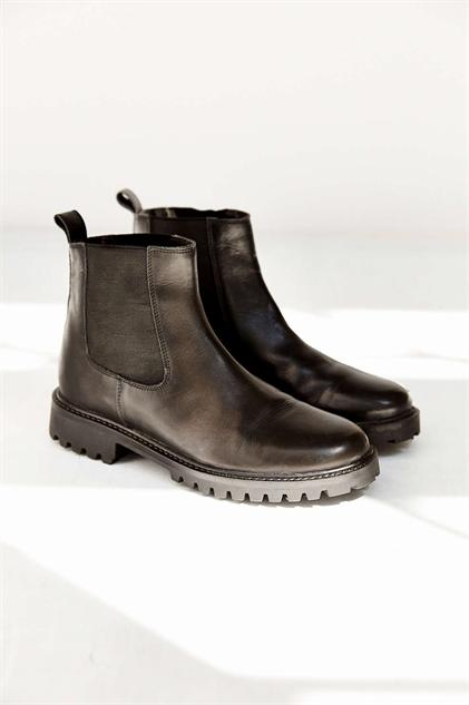 chelsea-boots alyssaboot1