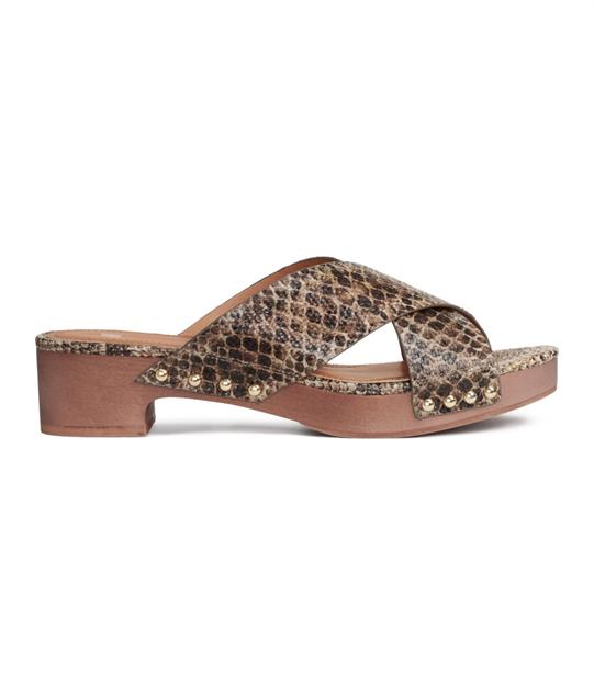 chic-slide-sandals slip