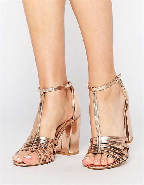 ffc397c04 Chunky Sandals to Step Up Your Spring Game    Style    Chunky ...