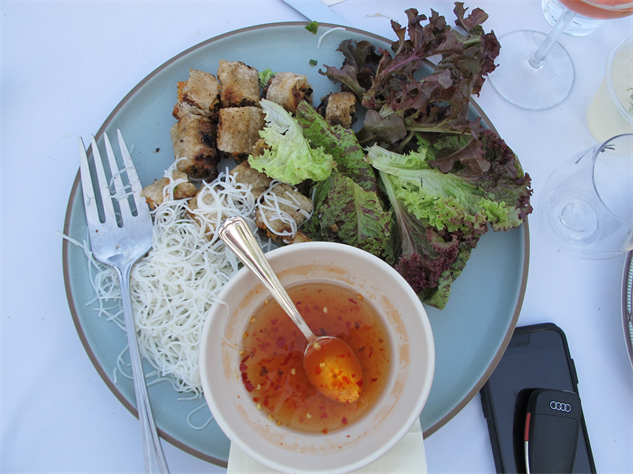 coachella-food 16-oustanding-in-the-field-food---photo-by-sara-ventiera
