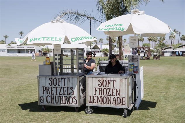 coachella-food 6-lemonade-julian-bajsel-coachella-c000578