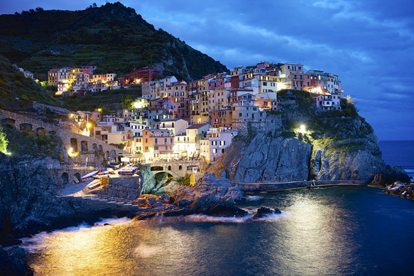 colorful-cities cinque-terre-italy-colorful