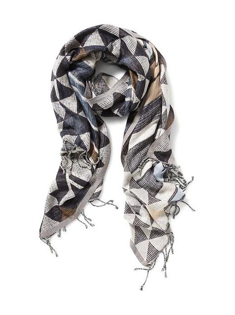 colorful-printed-spring-scarf geo