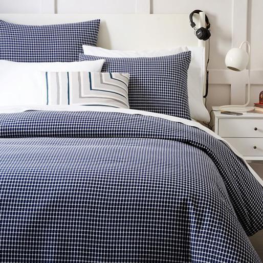 cool-bedroom 10-bedroom-essentials