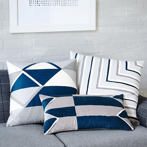 cool-bedroom 14-bedroom-essentials