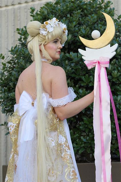 cosplay-gallery-momocon moon