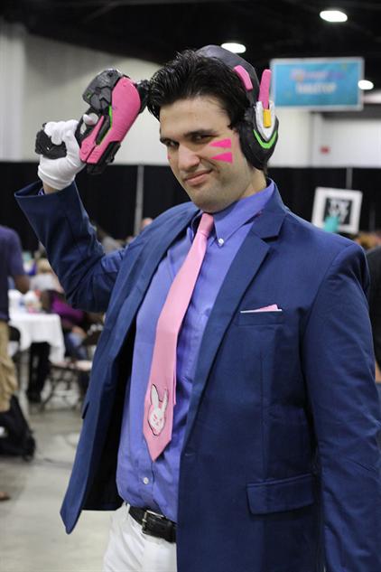 cosplay-gallery-momocon suit-dva