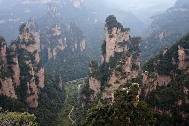 creepytravel zhangjiajie-national-forest-park