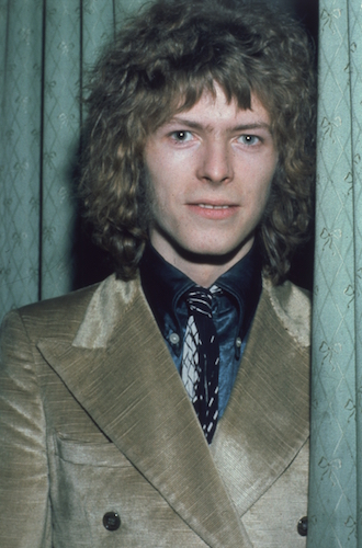 david-bowie-fashion gettyimages-3231195