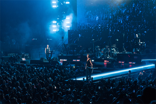 Live Photos Depeche Mode Warpaint At Madison Square Garden Music Galleries Paste