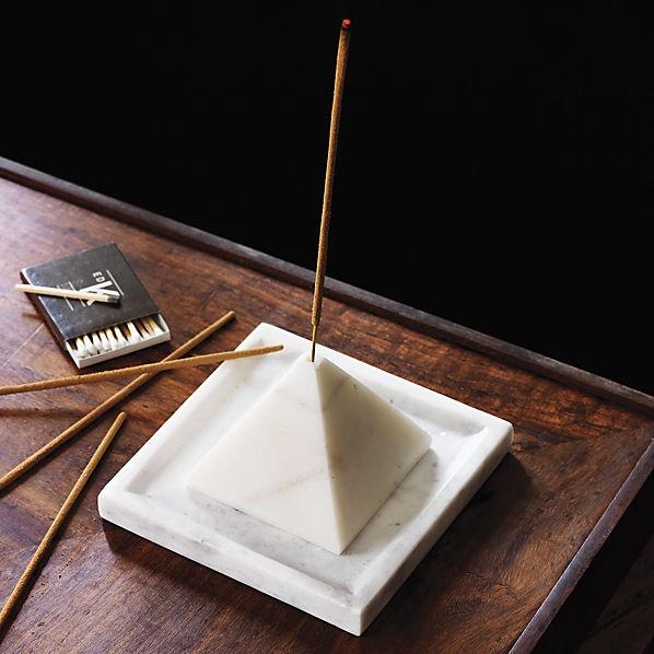 design-incense-burner pyramid