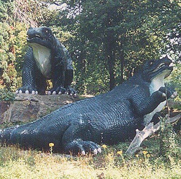 dinosaur-paleoart iguanodons-crystal-palace