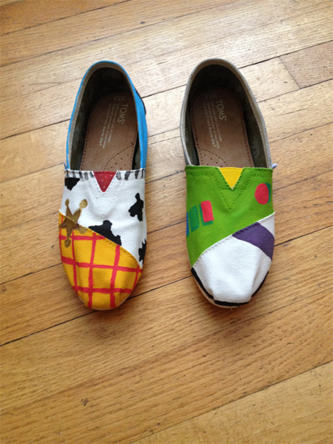 4ab0db32d36 Toms   Disney  23 Mouse House Inspired Designs ... on Shoes ...