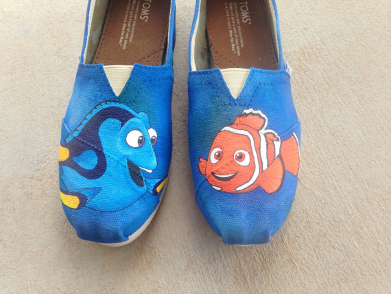 toms amp disney 23 mouse house inspired designs on