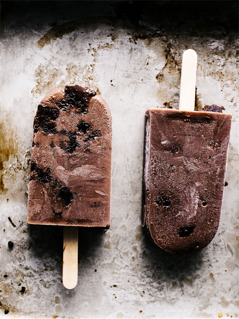 diy-popsicles 9-brownie-fudgsicle-pops-8