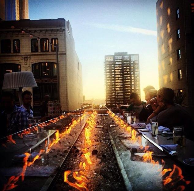 dramatic-rooftop-bars frolik