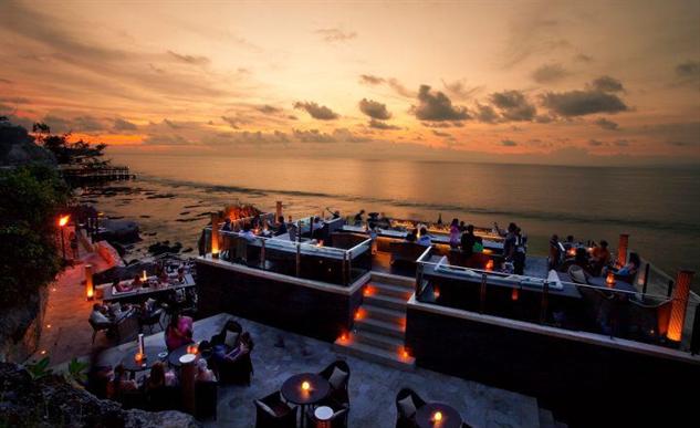 dramatic-rooftop-bars rock-bar-sunset