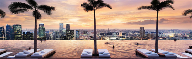 dramatic-rooftop-bars sands-skypark-pool