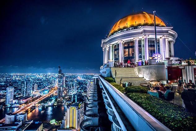 dramatic-rooftop-bars skybar-bangkok-2