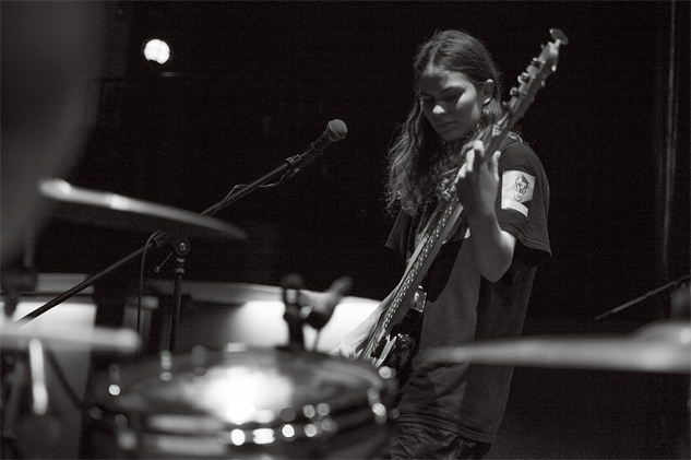 A Day in the Life of Eliot Sumner :: Music :: Eliot Sumner