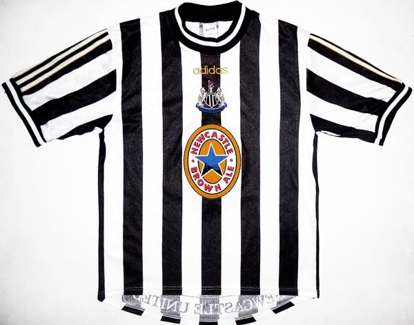 buy online e6467 4ea1f 20 Great Soccer Jerseys That Today's Premier League Teams ...