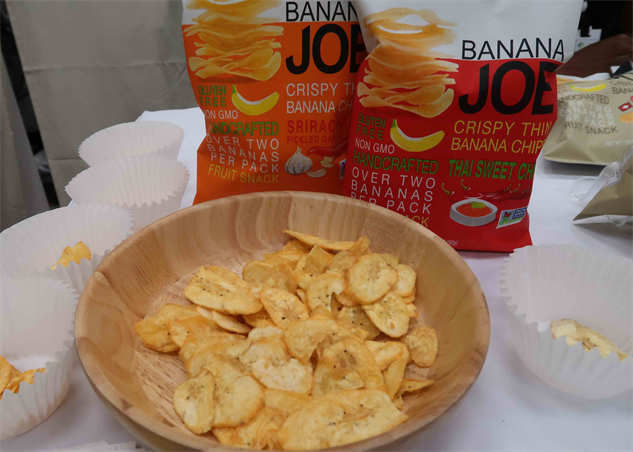 expo-west-17 banana-joes-banana-chips---expo-west-2017-trends---anneliesz