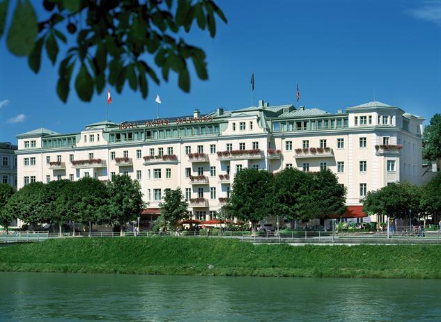 10 old world lodgings that inspired the grand budapest for Designer hotel salzburg