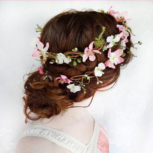 12 festive flower crowns for your next concert design